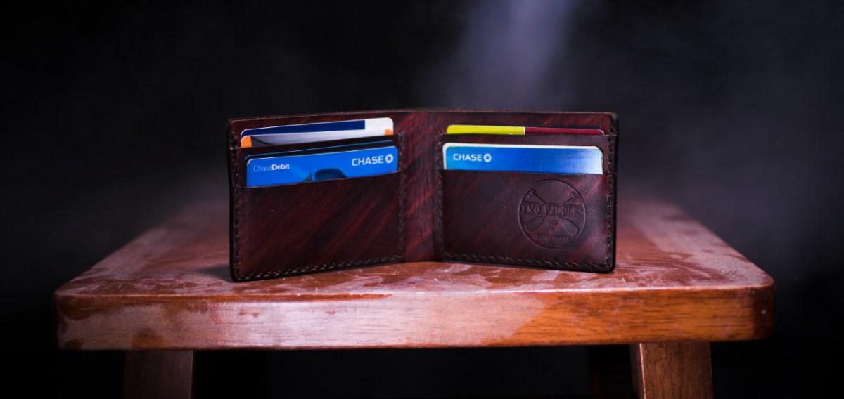 Cartera con varias tarjetas de crédito