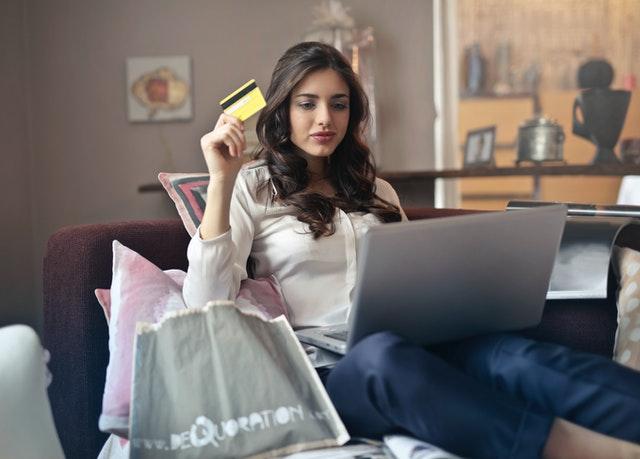 Cómo comprar en línea con tarjeta de crédito